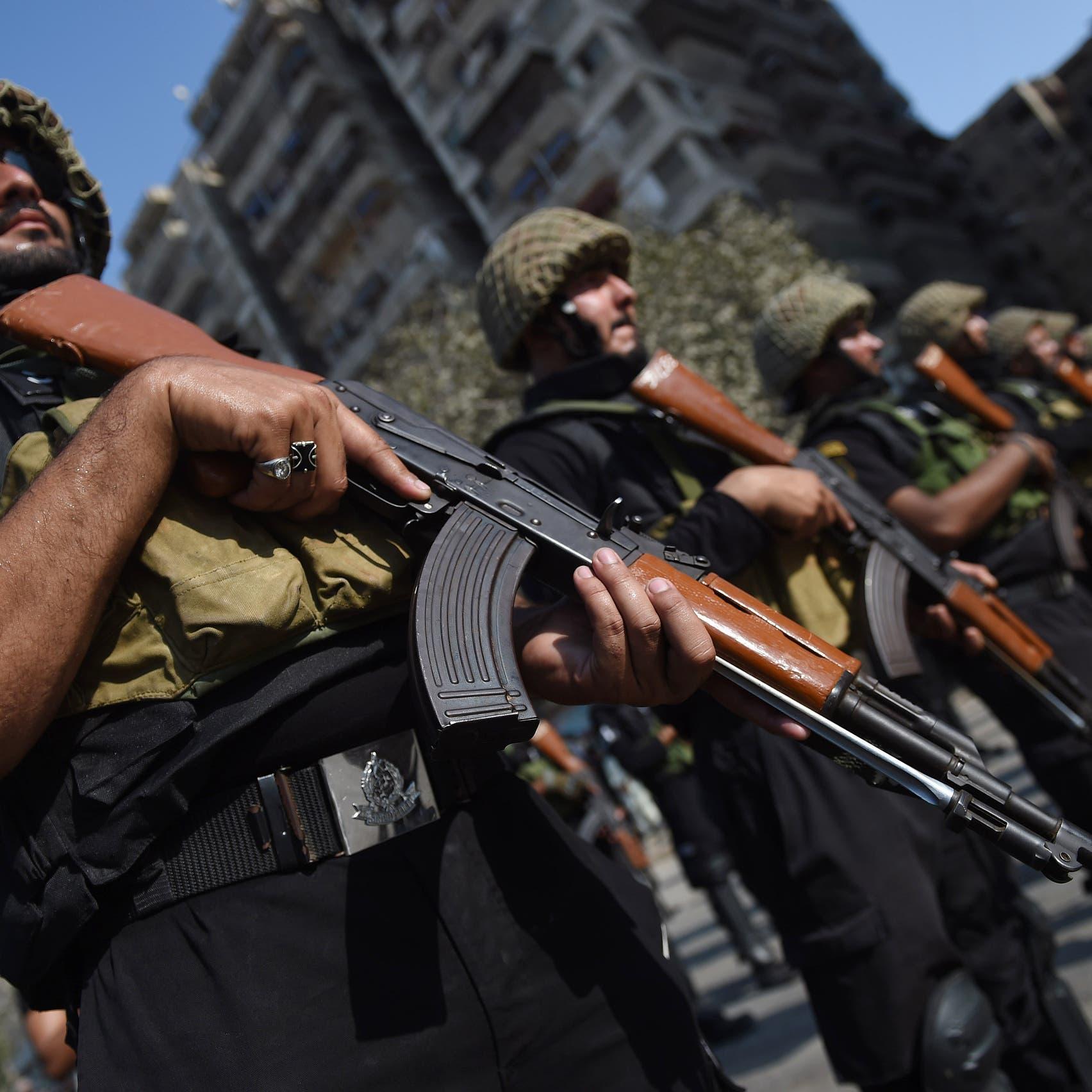 باكستان:اعتقال 5 إرهابيين وضبط سترات ناسفة وأسلحة فتاكة