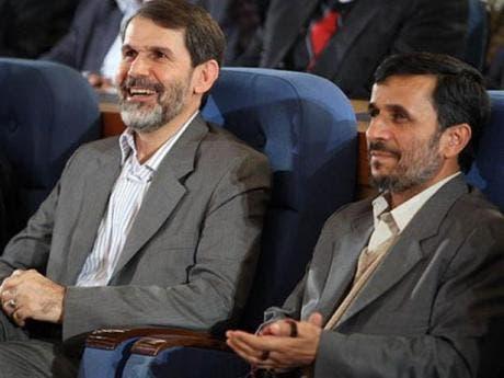 صادق محصولي الى جانب أحمدي نجاد