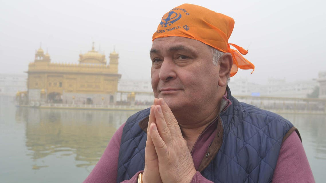 Rishi Kapoor pays respect at the Sikh Golden Temple in Amritsar on December 13, 2016. (AFP)