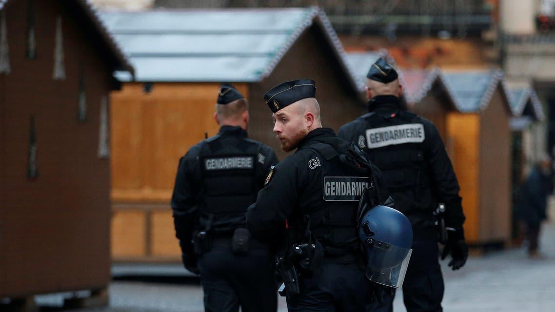 الشرطة الفرنسية حول كاتدرائية ستراسبورغ