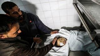 وفاة طفل فلسطيني متأثراً بجراحه في مواجهات على حدود غزة