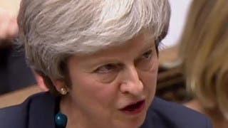 بريطانيا.. ماي تتعهد بمحاربة سحب الثقة منها