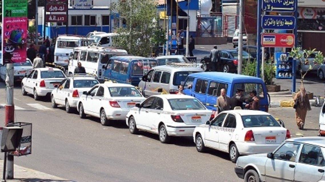 طوابير أمام محطات الوقود في السودان