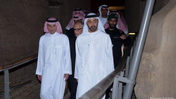 الجبير وعبدالله بن زايد في الدرعية.. وصورة لطيفة مع صقر