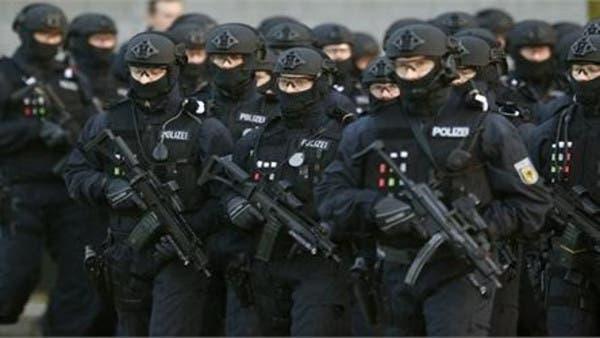 بازرسی مسجدی در برلین آلمان؛ واعظ و ملاامام متهم به ارسال پول به «تروریستان» در سوریه