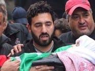 قبلة موت أخيرة في لبنان.. جثة طفل في مستشفى وأم تنتحب