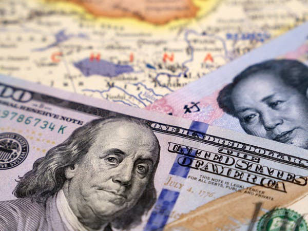 ترمب يلمّح لاتفاق تجارة قريب مع الصين