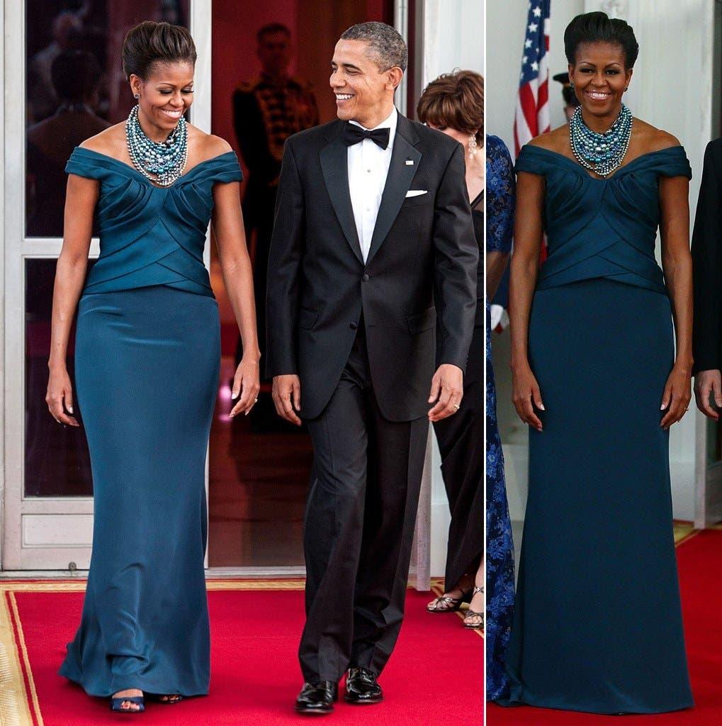 تنسّق ميشيل أوباما الأكسسوارات الكبيرة مع العديد من إطلالاتها بما فيها أزياء السهرات