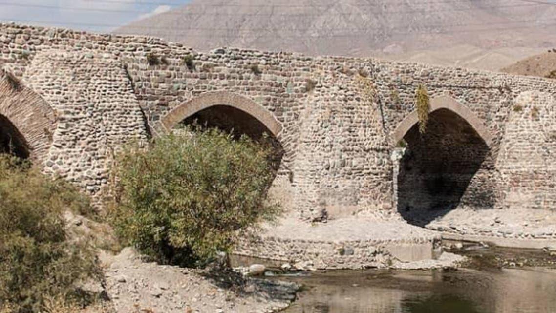پایه های یک پل تاریخی در ایران به سرقت رفت