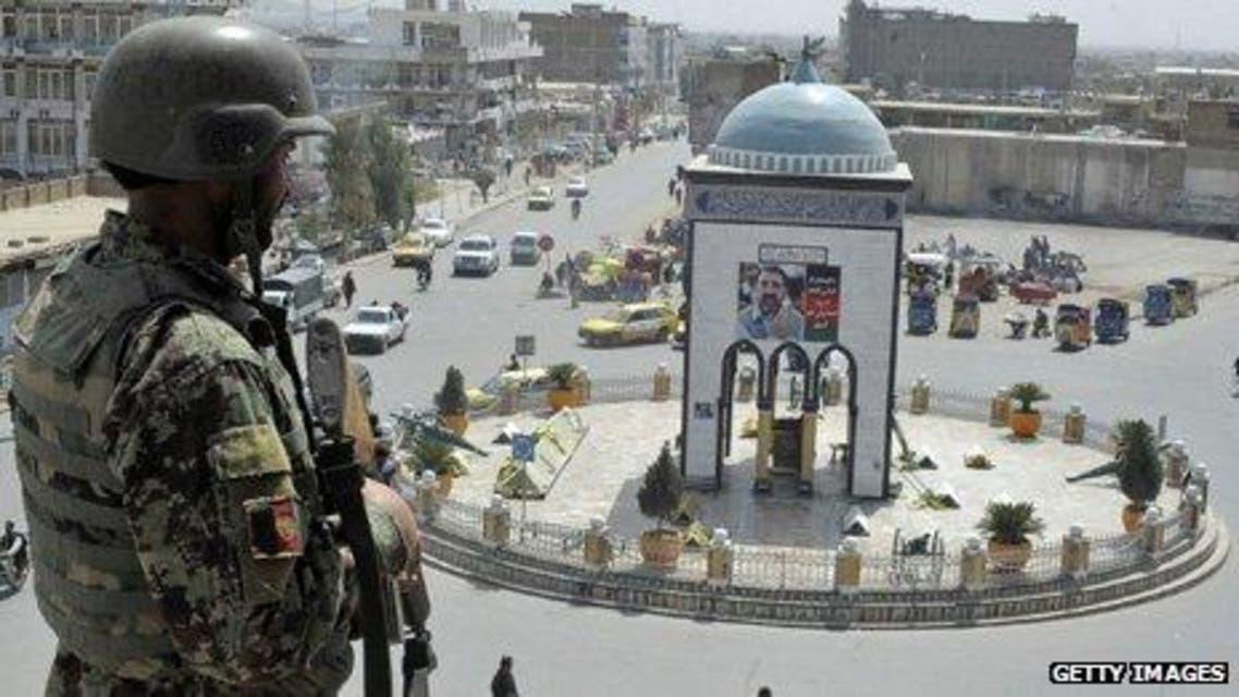 سخنگوی فرماندهی پولیس قندهار میگوید که تمام قربانیان حمله انتحاری شهرک عینومینه شهر قندهار، اعضای یک خانواده اند