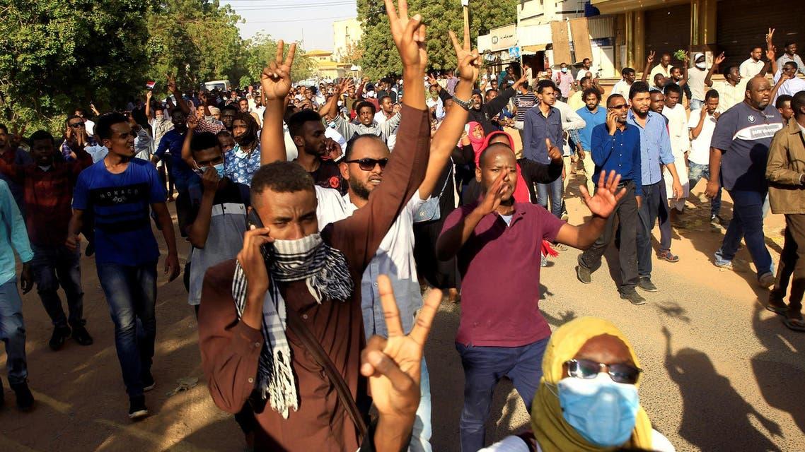 نیروهای امنیتی سودان مانع از رسیدن تظاهرکنندگان به کاخ ریاست جمهوری شدند