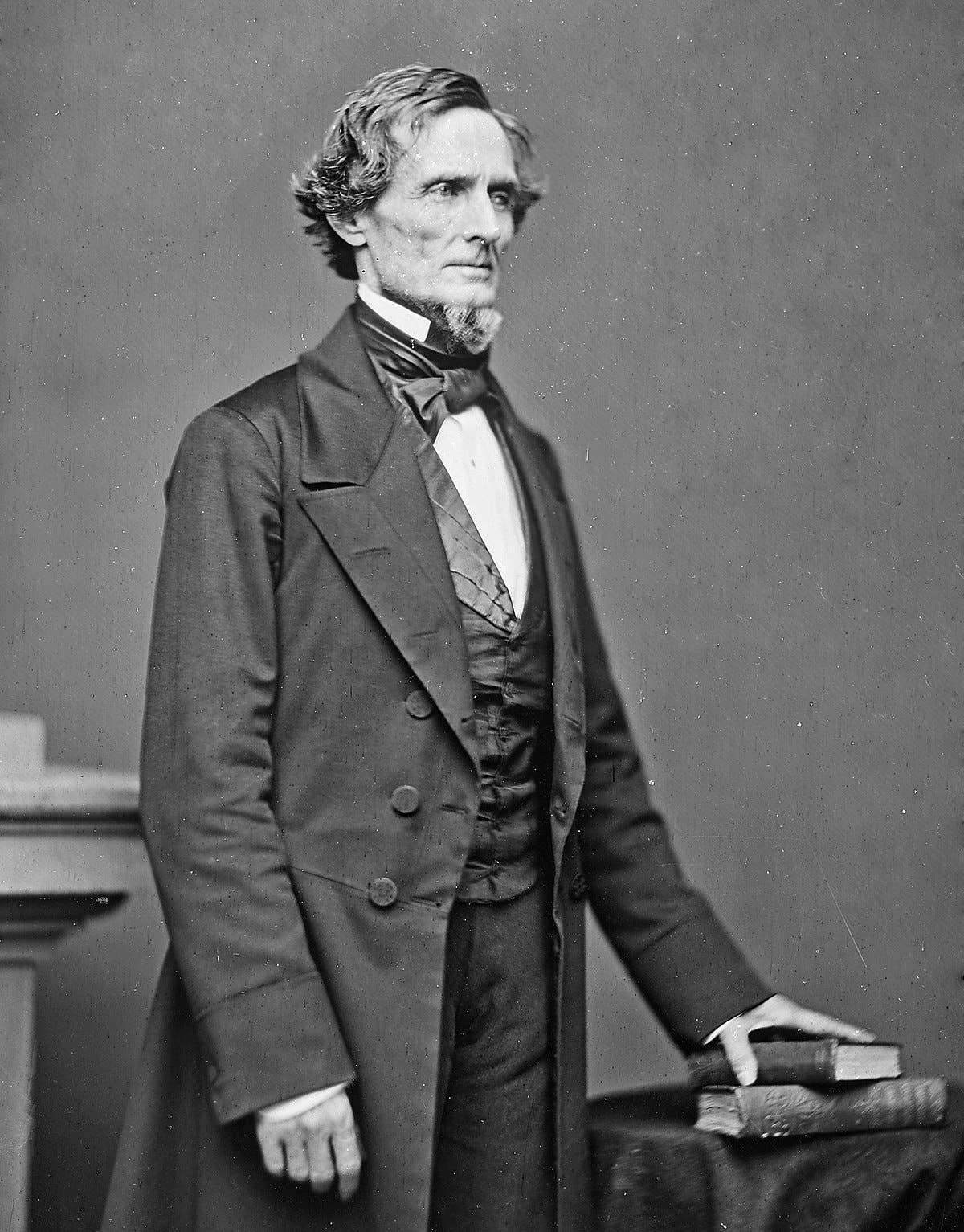 رئيس الولايات الكونفدرالية خلال الحرب الأهلية جيفرسون ديفيس