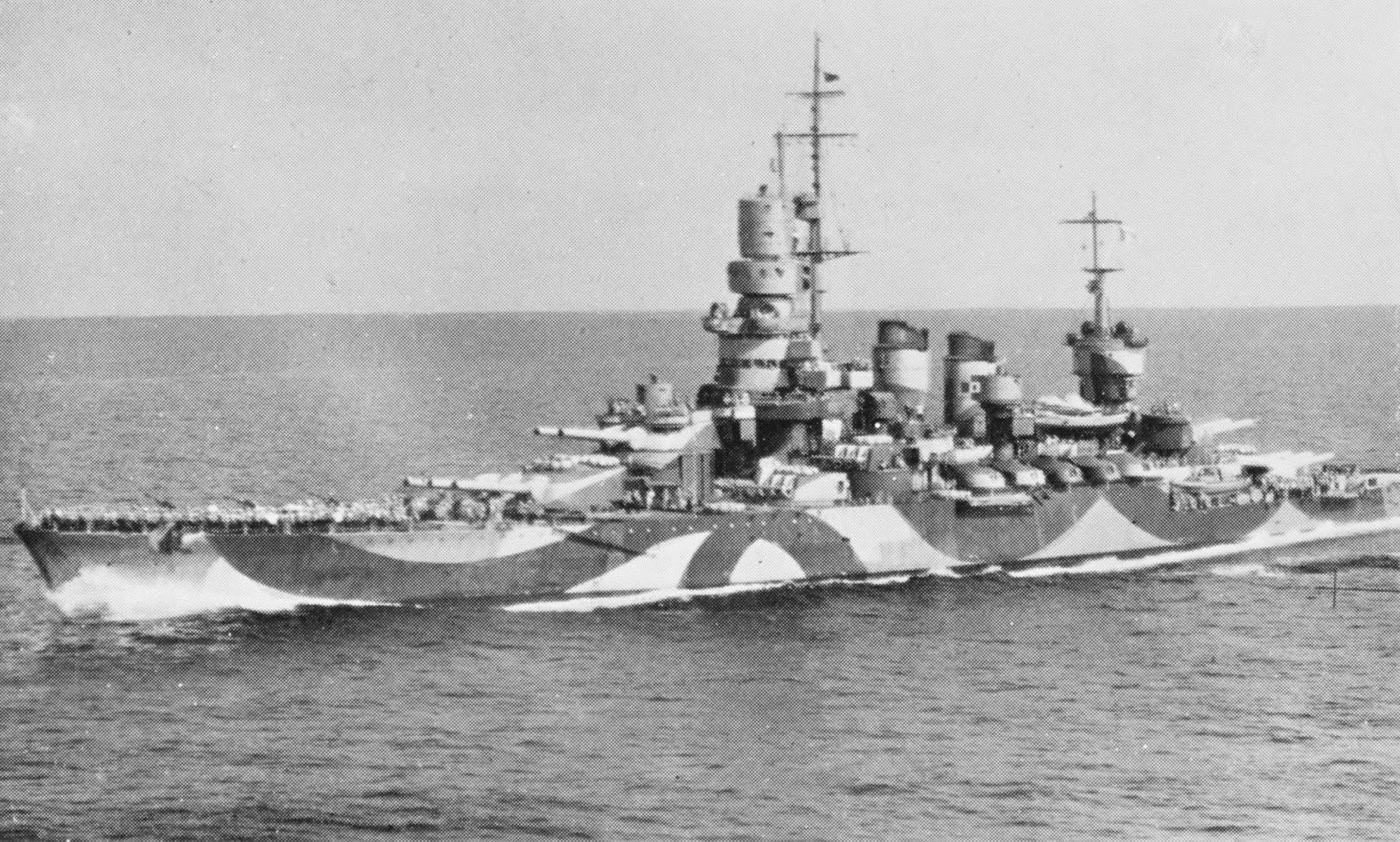 صورة للبارجة الحربية الإيطالية أندريا دوريا