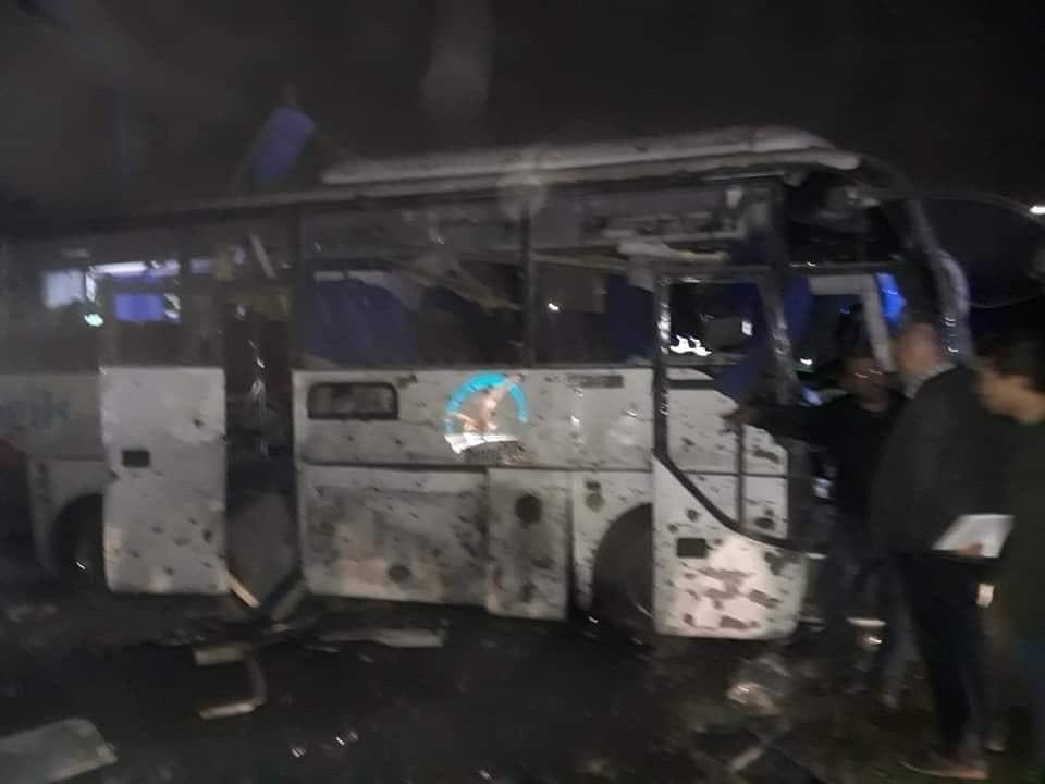 اتوبوس توریستی که هدف حمله قرار گرفت