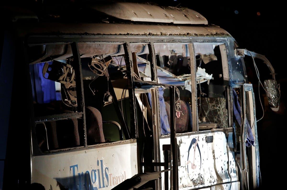 عکس دیگری از اتوبوس گردشگران که روز جمعه در منطقه الجیزه مورد حمله قرار گرفت