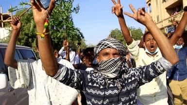 احتجاجات السودان.. دعوة لإضراب عام ومطالبة بتنحي الرئيس