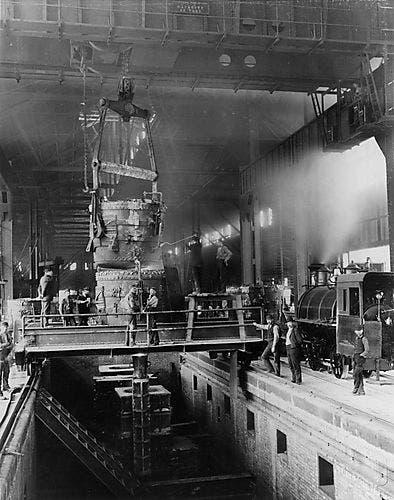 صورة لأحد مصانع مؤسسة كارنيجي للفولاذ
