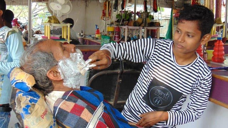 Resultado de imagen para Jyoti y Neha India barbería