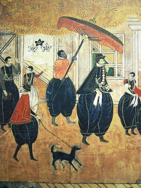 رسم ياباني يجسد أحد المبشرين المسيحيين باليابان وخلفه عبد إفريقي يحمل مظلة يعتقد أنه ياسوكي