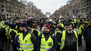 فرنسا: منع السترات الصفراء من التظاهر السبت في باريس