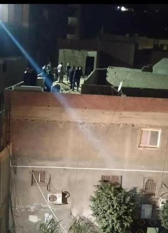 سطح المسجد الذي ترك  فيه الإرهابي العبوات الناسفة