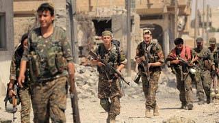 عناصر من سوريا الديمقراطية