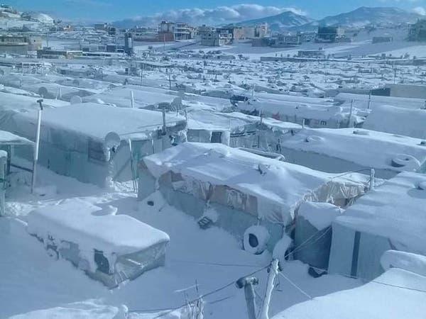 """الثلج يقسو على اللاجئين.. وصرخة وجع """"لو نموت نرتاح"""""""