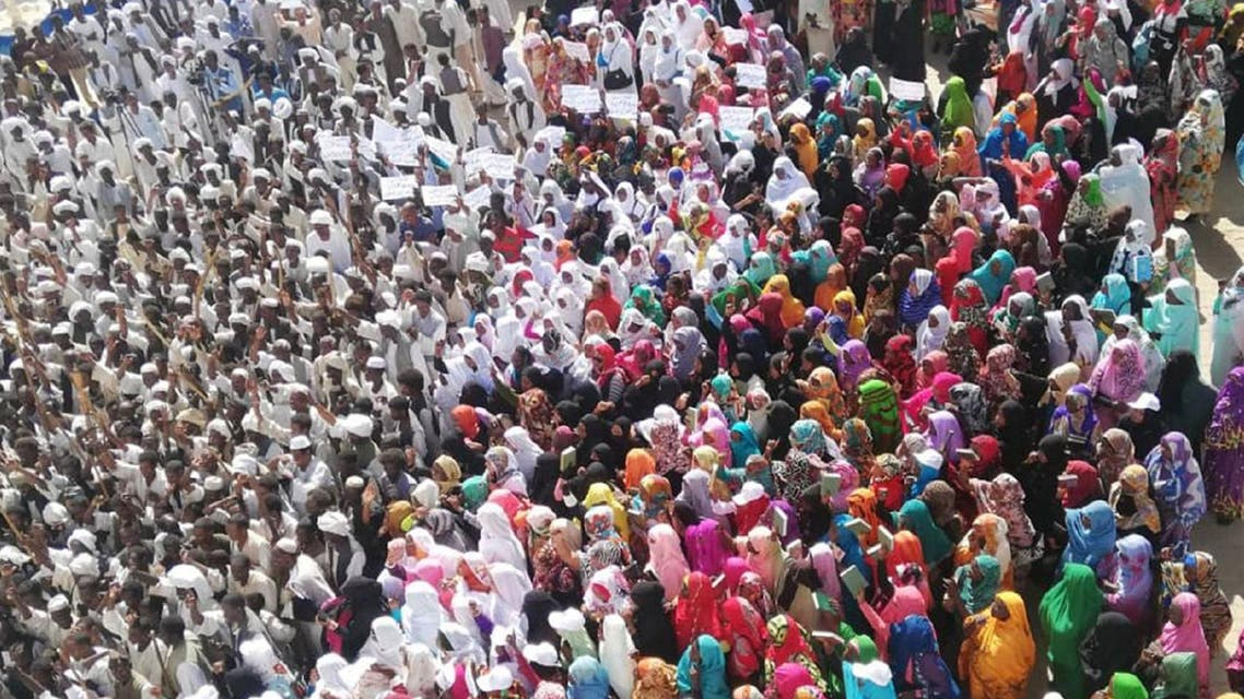 Crowds of supporters of the Sudanese President gather in Sudan's easten city of Kassala on January 7, 2019. (File Photo: AFP)