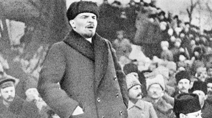 صورة للقائد السوفيتي فلاديمير لينين