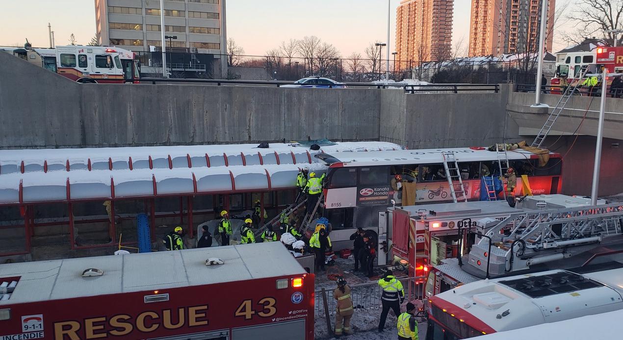 Ottawa bus crash. (Twitter)