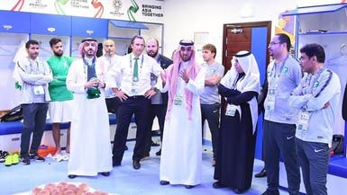 رئيس هيئة الرياضة يقدم مكافآت مالية للاعبي الهلال في حال بلوغ النهائي