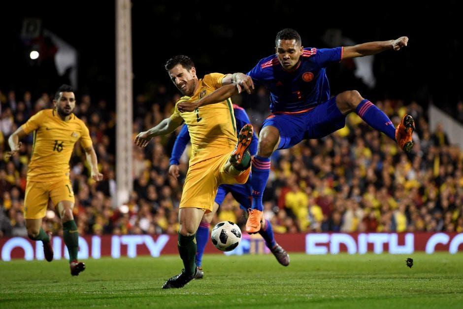 ديجينك أمام الكولومبي باكا خلال ودية سبقت مونديال روسيا