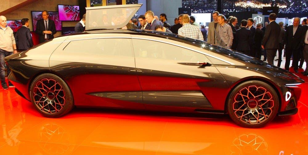 تصميم رائع وأنيق من استون مارتن سيارة طراز لاغوندا فيجن