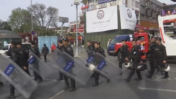 مذكرات توقيف بحق 300 عسكري بتهمة صلتهم بغولن