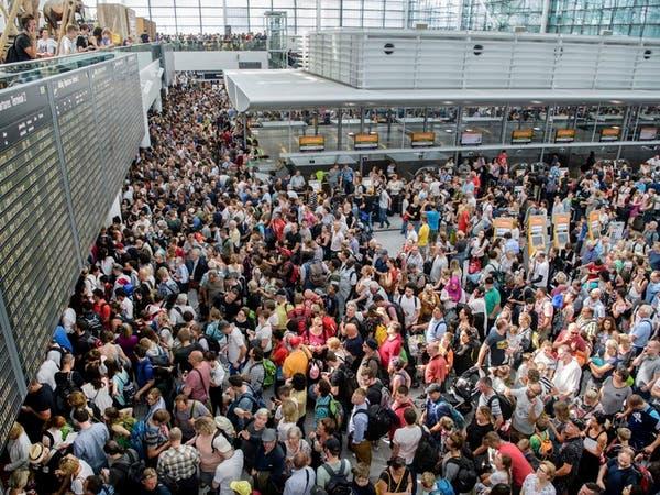 فوضى في مطارات ألمانيا إثر إضراب موظفي الأمن