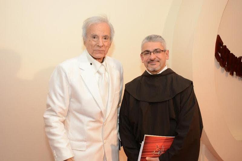 الفنان الراحل سعيد عبدالغني خلال تكريمه في مهرجان المركز الكاثوليكي