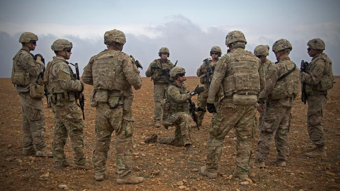 US army soldiers gather for a brief during a combined joint patrol rehearsal in Manbij, Syria on November 7, 2018. (File photo: AP)