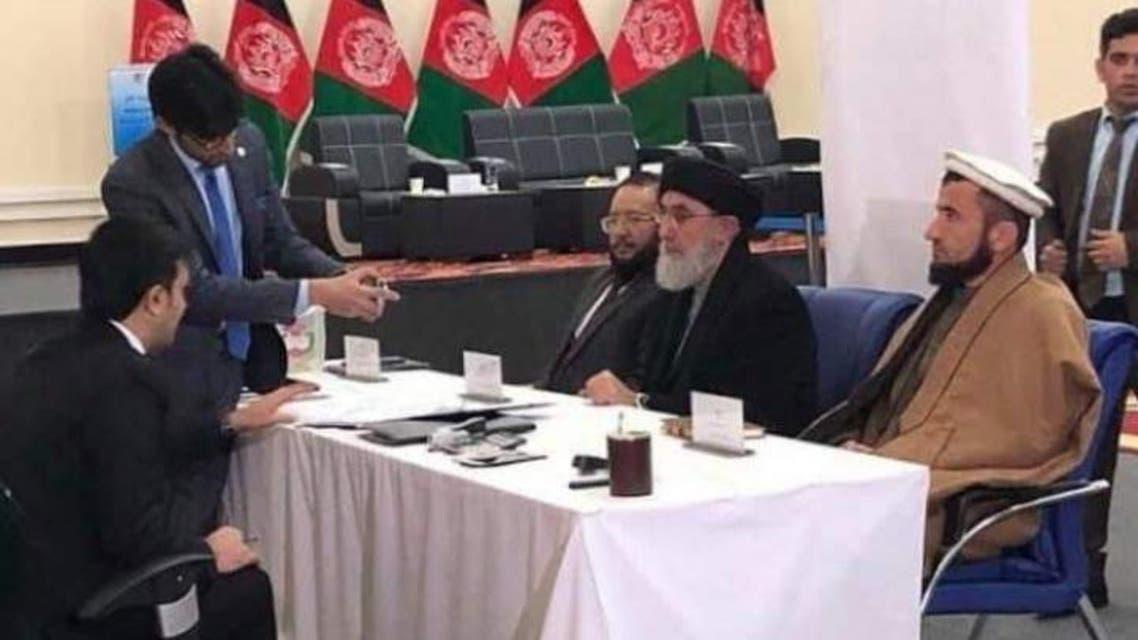 حکمتیار با شعار «تغییر نظام» خود را در انتخابات ریاستجمهوری افغانستان نامزد کرد