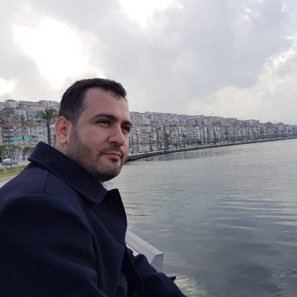 """سجين سابق يكشف """"خبايا سجون إيران"""".. ضرب وإعدام وهمي"""