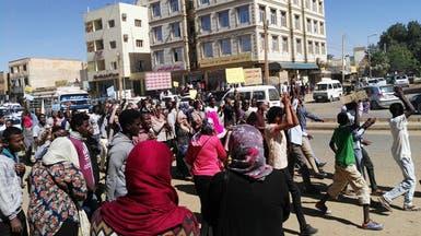 """السودان.. دعوة لتظاهرات ليلية وجرعة تهدئة من """"المؤتمر"""""""