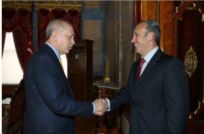 الرئيس التركي مستقبلا طارق العيسمي عام 2018