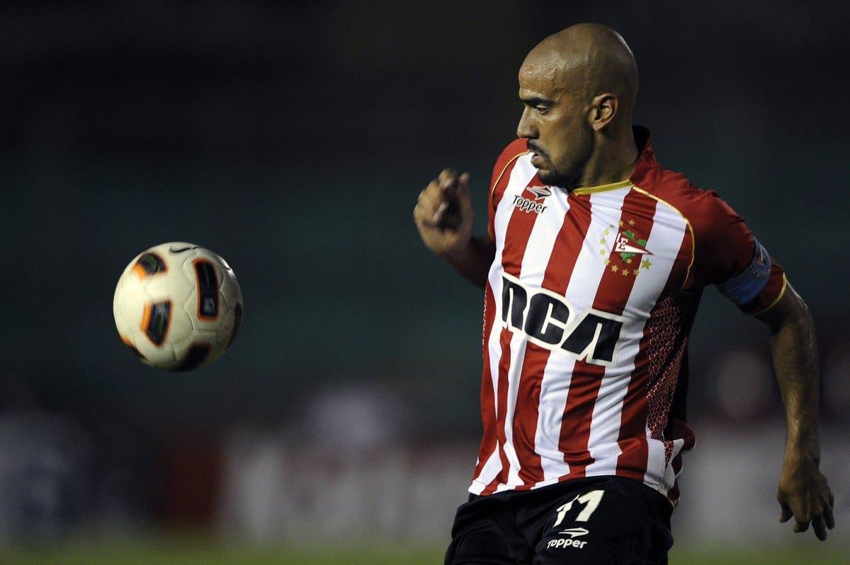 الأرجنتيني فيرون لعب مع إستوديانتس في ثلاث فترات مختلفة