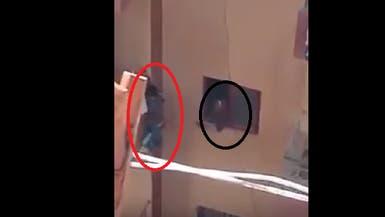 """والد """"طفل البلكونة"""" في مصر: أمه لم تقصد إيذاءه"""