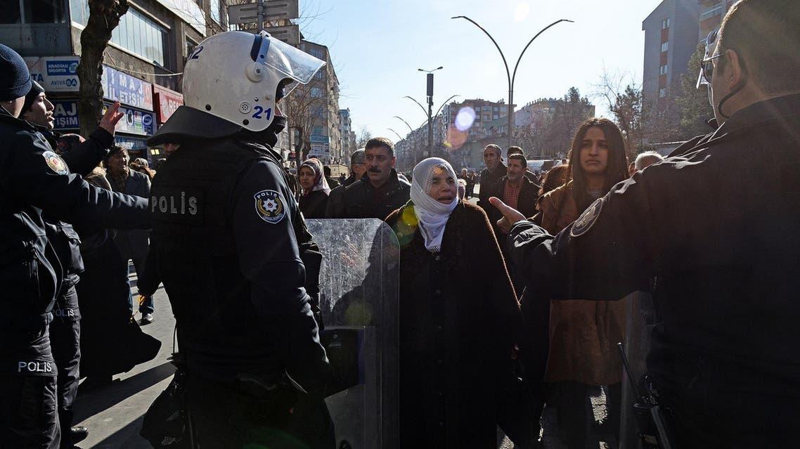 Kurdish protestors in Turkey (AFP)