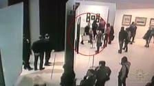 سرقة لوحة عن القرم وسط النهار وبوجود الأمن من متحف روسي
