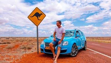 سافر بسيارة كهربائية من هولندا لأستراليا ليثبت قدرتها