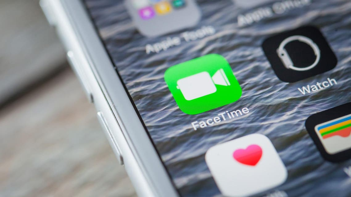 A newly discovered FaceTime bug lets iPhone users hear and even see people they are trying to reach out to, without them picking up the call. (File photo: Shutterstock)