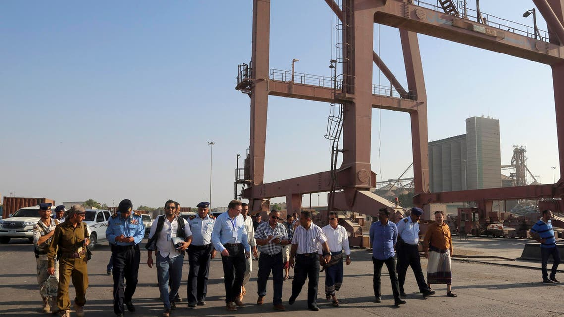 A security team from the United Nations office in Yemen visits the strategic Red Sea port of Hodeida on December 21, 2018 to discuss the security situation there before the arrival of UN observers.