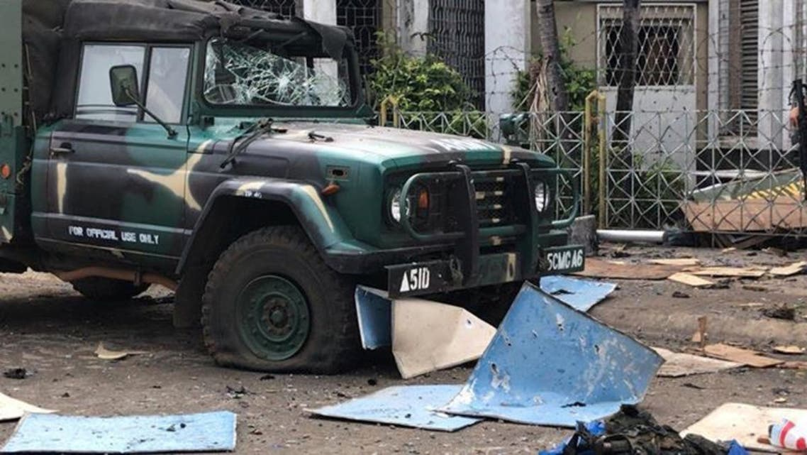 حطام متناثر جراء هجوم كنيسة الفلبين
