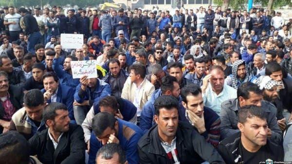70 % من عمال إيران البالغ عدهم 14 مليونا تحت خط الفقر